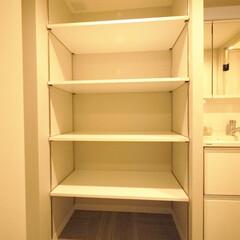 洗面室/オープン収納/可動式 奥行のある洗面室のオープン収納