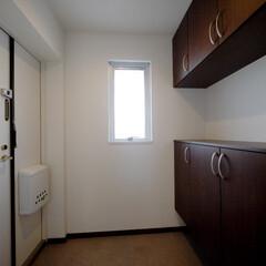玄関/玄関収納/セパレートタイプ 広めの玄関はカウンターも活用できるセパレ…