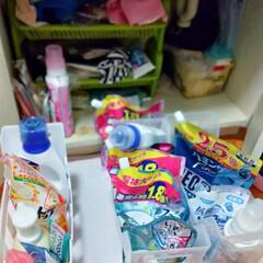 ストック/ファイルケース/つっぱり棒/洗面所収納/キャンドゥ/ダイソー/... 洗剤などを詰め替える度にストック探すのイ…(2枚目)