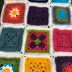 かぎ針/手編み/カラフル/モチーフ/毛糸/ハンドメイド モチーフ配色まちがえたー💦💦💦💦 コツコ…