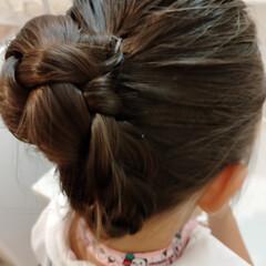 ポニーテール/くるりんぱ/三つ編み 子供のヘアアレンジ  半日経っても崩れな…(1枚目)
