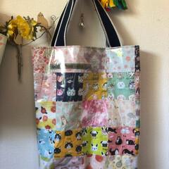 折り紙/千代紙/デザインペーパー/バッグ/トートバッグ/ダイソー/... 折り紙バッグ♪  折り紙を縫い合わせ、裏…