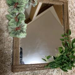 玄関/玄関インテリア/玄関 鏡/鏡リメイク/キャンドゥ/100均/... 玄関に鏡が欲しかったのでキャンドゥでフェ…(2枚目)