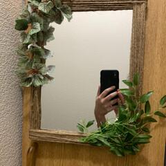 玄関/玄関インテリア/玄関 鏡/鏡リメイク/キャンドゥ/100均/... 玄関に鏡が欲しかったのでキャンドゥでフェ…