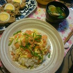 お姉ちゃんずっとしあわせに。。/ミートローフ/はまぐりのお吸い物/ちらし寿司/おひなさま/我が家のごはん/... こんばんは😊  今日は、ひな祭り🎎✨  …