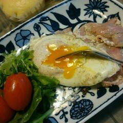 黄身とろりん/ベーコンエッグ/日曜日の朝/おはようございます おはようございます✨  赤いキッチンより…
