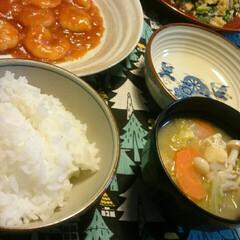軽くスッキリ😊/楽しかった/美容院/ニラ玉/エビチリ/夕ごはん/... こんばんは☺  赤いキッチンより。  今…
