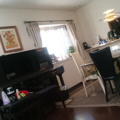 リビング/ダイニング/ピアノ/ピアノ配置 我が家のダイニングとリビングの間に ドー…