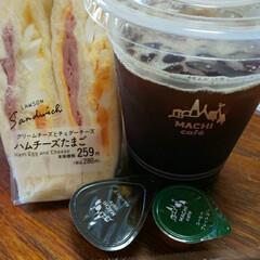 朝食はパン/LAWSON ~~~ヾ(^∇^)おはよー♪ございます。…