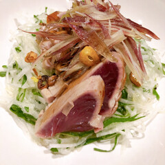 魚料理/カツオのタタキ/夜ごはん/雨季ウキフォト投稿キャンペーン/令和の一枚/LIMIAごはんクラブ/... 鰹のタタキ、オリーブオイルとお塩だけで食…