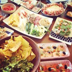 パーティ/ポテトサラダ/手巻き寿司/ワカモレ/おつまみ/ホームパーティー/... ホームパーティした時の🍷 持ち寄ったり買…