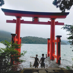 旅行/おでかけ/箱根神社/箱根/鳥居/朱色 朱色といえば! 先日行った箱根神社の鳥居…(1枚目)