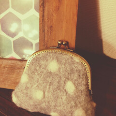羊毛フェルト作品/がま口財布/雑貨/冬/ハンドメイド 温かながま口財布が欲しくて、羊毛フェルト…