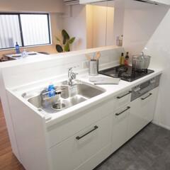 キッチン/パナソニック/白/ホワイト/シンプル/カウンター 元々は壁付だったキッチンを対面式に設置。…