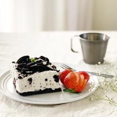 オレオチーズケーキ/オレオ/おうちカフェ/ケーキ/おうちごはん/暮らし 焼かないオレオのクリームチーズケーキ。今…