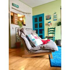 マンション/リビング/間仕切り壁DIY/室内窓DIY/ハイバックリクライニングソファ/1人掛けソファ/... 模様替え後 ソファー斜めに置いてます め…
