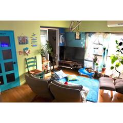 ターコイズブルーのドア/水色の壁/黄緑の壁/海外風インテリア/海を感じるインテリア/マンション/... 先日投稿した引きの写真じゃ ちょっと判り…