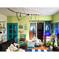 カラフル/青いドア/ピアノ/黄緑の壁/ウィービング/ドリームキャッチャー/... なんでだろぉ~♬ なんでだろぉ~♬ 寒色…