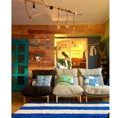 グランドピアノ/防音室/ターコイズブルーのドア/流木照明DIY/流木リメイク/ボーダーラグ/... 【ソファーのある暮らし】  とある夕日の…