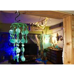 海を感じるインテリア/チャイハネ/ウインドチャイム/流木/覗き窓を作る/間仕切り壁DIY/... 一枚前の写真から 2歩左に移動…   キ…