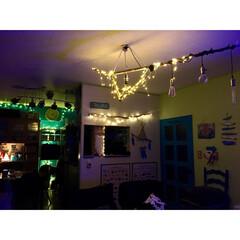 海を感じるインテリア/照明DIY/流木照明/流木/イルミネーション/ターコイズブルー/... 天井に流木ライトを付けてからの 真夜中の…