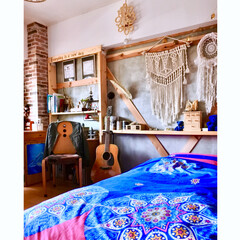 杉板/ウォリスト/棚DIY/アコースティックギター/楽器/理系インテリア/... 【子供部屋】 楽器を愛するリケジョの部屋…(1枚目)