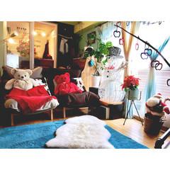 セルフリノベーション/ラグマット/クリスマスツリー/ピアノ/ウィービングタペストリー/流木/... クリスマスまでどんどん増えてく 赤いアイ…