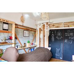 子供部屋/娘の部屋/理系インテリア/楽譜/棚DIY/ドリームキャッチャー自作/... 娘の部屋 現在ブラウンのファブリック 手…