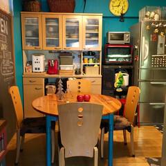カフェ風/キッチンボード/黒板/円形テーブル/ダイニングテーブル/ダイニングチェア/... 少し前まで使ってた椅子 元々のダイニング…