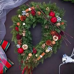 緑のある暮らし/ハンドメイド雑貨/ハンドメイド作家/Christmas/Xmas/クリスマスインテリア/... クリスマスリース✿(1枚目)