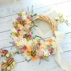 ハンドメイド雑貨/インテリア雑貨/花に囲まれたい/花のある生活/ドライフラワー/プリザーブドフラワー/... プリザーブドフラワーリース♡ (1枚目)