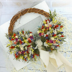 Handmade/Flower/花のある生活/花がある暮らし/ハンドメイド作家/ハンドメイド/... カラフルな花材たっぷりの小花リース♪