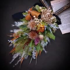 ハンドメイド作家/フラワーインテリア/花と緑がある暮らし/花のある暮らし/ドライフラワーのある暮らし/スワッグ/... スワッグ風アレンジメント✿(1枚目)
