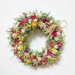 花がある暮らし/ハンドメイド雑貨/インテリア雑貨/ドライフラワー薔薇/ドライフラワーのある暮らし/リース/... ドライフラワーリース♪  小さい花を沢山…