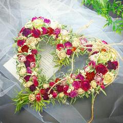 花が好き/スプレーバラ/インテリア雑貨/バレンタインギフト/プレゼントに/花のある暮らし/... ドライフラワーのバラたっぷりのハートリー…(1枚目)