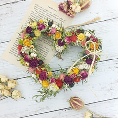 ハンドメイド雑貨/インテリア雑貨/ドライフラワーのある暮らし/花を飾る/花が好き/花のある暮らし/... ドライフラワーハートリース♥