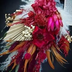 花のある暮らし/赤色/ハンドメイド作家/赤が好き/赤ブーケ/赤い花/... ドライフラワースワッグ(1枚目)