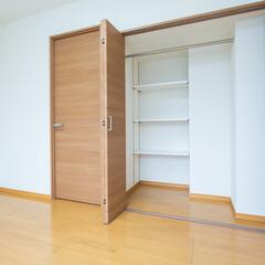 子供部屋 押入れをクローゼットに、入口の扉を高くし…