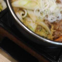 「吉野家の私は牛すき鍋膳肉2倍盛にキムチ。…」(2枚目)