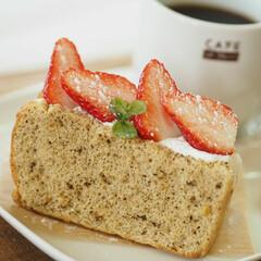 自分時間/ホイップ/紅茶/シフォンケーキ/いちご/甘い/... 紅茶のシフォンに苺とホイップトッピング*…