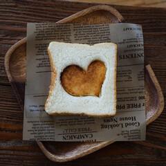 リッチな気分/贅沢/美味しい/に志かわ食パン/カルディ/珈琲ホイップ/... に志かわ♡食パン ♡部分はトーストして珈…