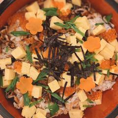 ちらし寿司/LIMIAな暮らし/おうちごはん/Mitsuki's nasse/家庭料理/簡単レシピ/... ひな祭りに鯛のちらし寿司を作りました🎎 …