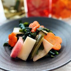 簡単レシピ/酢の物/Mitsuki's nasse/LIMIAな暮らし/家庭料理/春野菜/... 自家製ピクルス三種に茹でほうれん草と若芽…