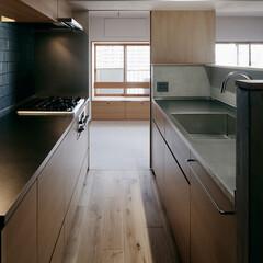 キッチン/ステンレスカウンター/造作キッチン 子供室が隣にあるのでお子さんの様子のわか…