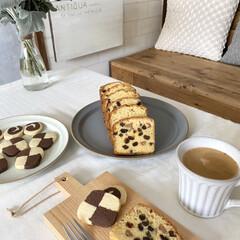 手作りスイーツ/ラムレーズン/アイスボックスクッキー/パウンドケーキ/カフェ風インテリア/カフェ風/... こんばんは˚✧₊⁎⭐︎ 久しぶりにお菓子…
