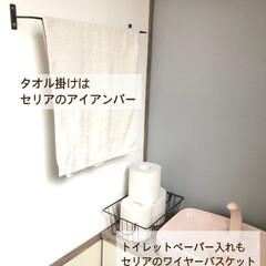 スマホ置き/セリア/クッションフロア/漆喰/コンクリート風/古材風/... トイレから失礼します🙇♀️  befo…(6枚目)