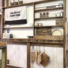 壁面収納/キッチン/インテリア/ナチュラルインテリア/カフェ風インテリア/ラブリコ棚/... こんばんは😊 キッチンのラブリコ棚を一掃…