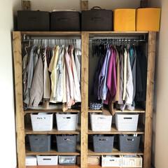 整理整頓/収納カゴ/収納ボックス/見せる収納/ハンガーラック収納/ハンガーラック/... こんばんは😊 母親の住むアパートに、ラブ…