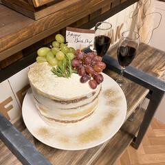 おうち時間/家族に感謝/ラメ付き/大人のケーキ/ぶどうのケーキ/手作りケーキ/... 誕生日ケーキは娘作🎂 今回はなんかラメが…