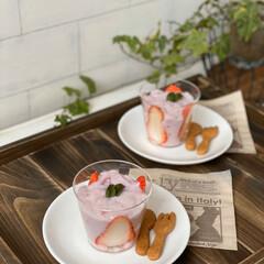 冷凍/クッキー生地/手作り/おうちカフェ/おやつタイム/手作りおやつ/... おっきくて、めちゃめちゃ甘いイチゴをいた…